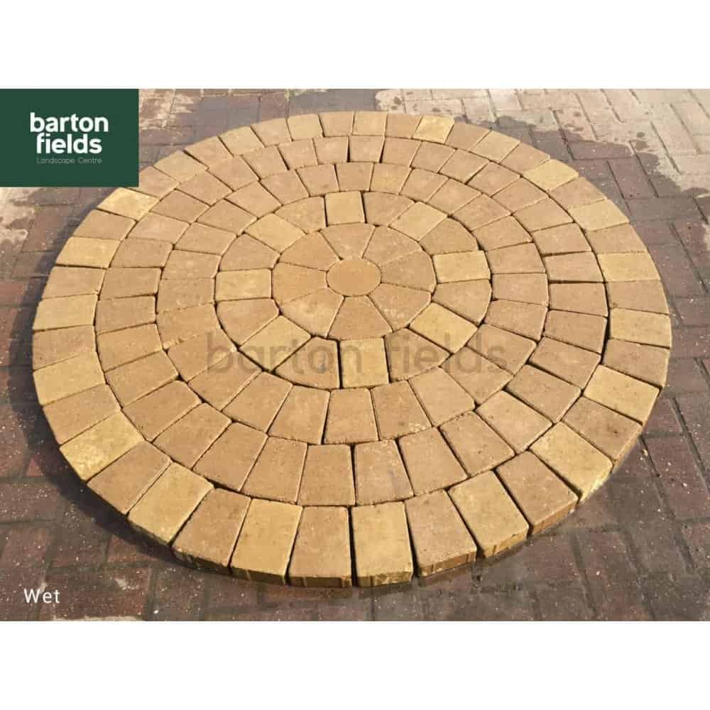 Tumbled 50mm Block Paving Circle in Buff Colour - 1 55mtr
