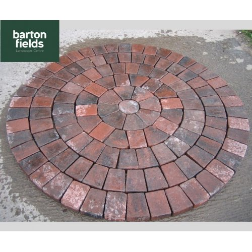Tumbled 50mm Block Paving Circle in Brindle Colour - 1.55mtr Diameter