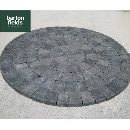 Tumbled 50mm Block Paving Circle in Charcoal Colour - 1.55mtr Diameter