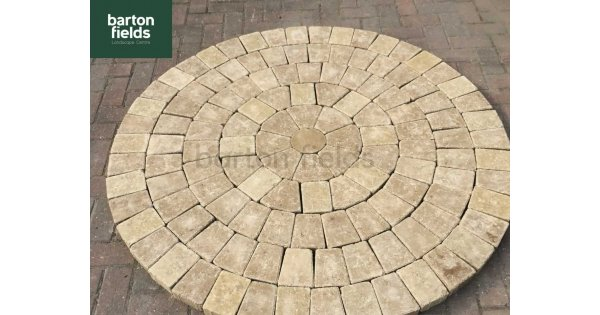 Tumbled 50mm Block Paving Circle in Buff Colour - 1 55mtr Diameter
