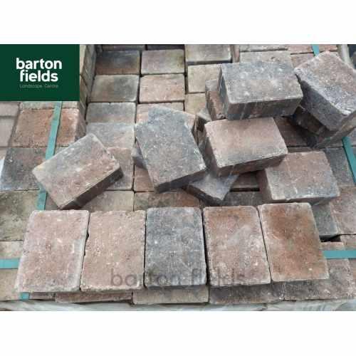 Tumbled Paving Cobble Setts in Harvest Colour. Size: 105x140x50mm