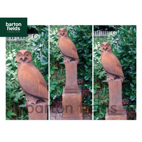Owl on Vienna Plinth in Rust Finish - Height 1430mm