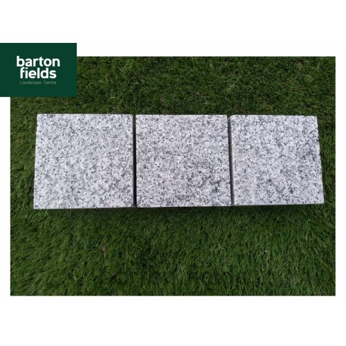 Natural Granite Sawn Cobble Setts, Silver - 10cm x 10cm x 5cm