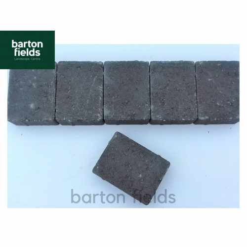 Contemporary Paving Cobble Setts in Charcoal Colour. Size: 105x140x50mm